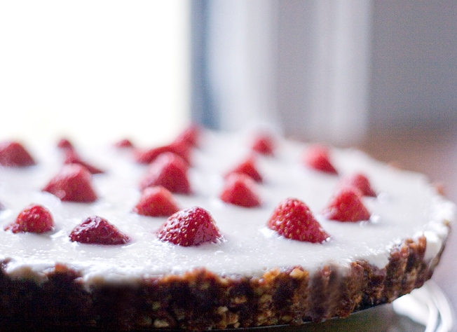 no bake strawberry yogurt tart 1